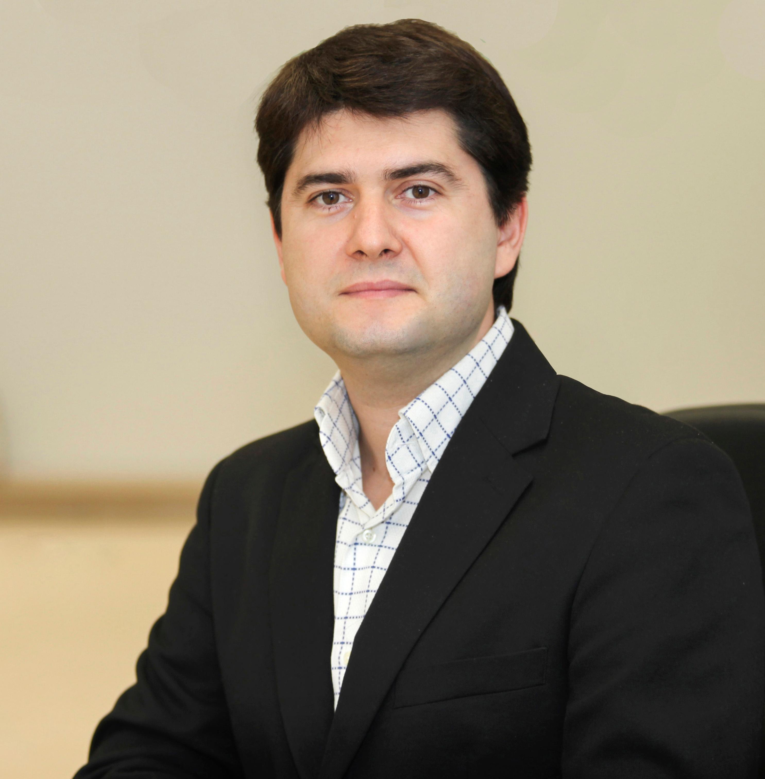Dr. Javier García