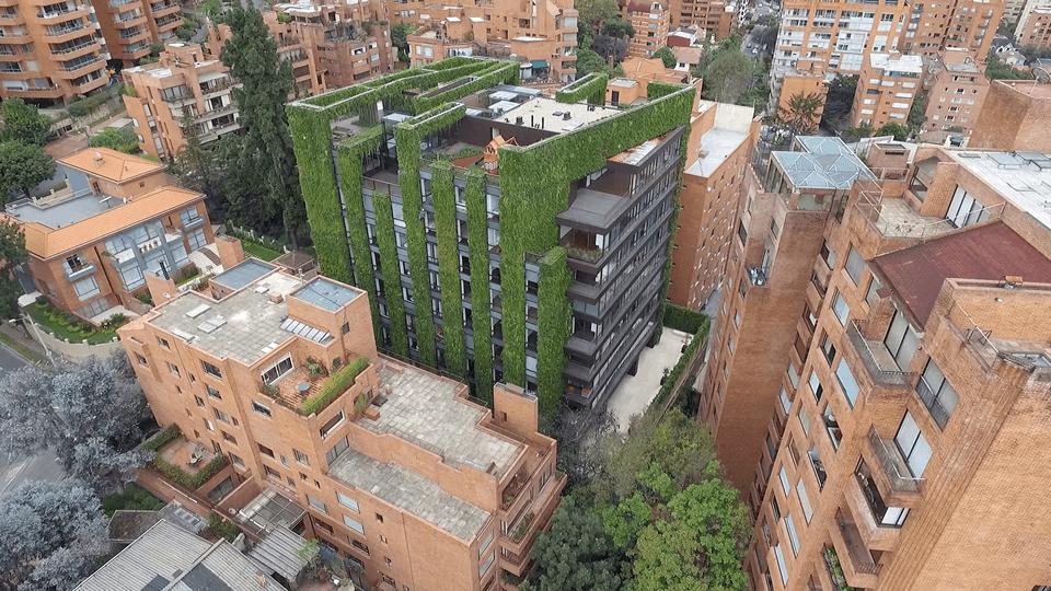 Jardín Edificio Santalaia (Groncol + Paisajismo Urbano) © Daniel Segura Fotografía vía GRONCOL